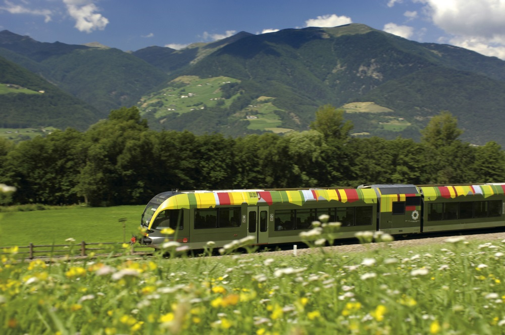 Arrival by train and bus South Tyrol